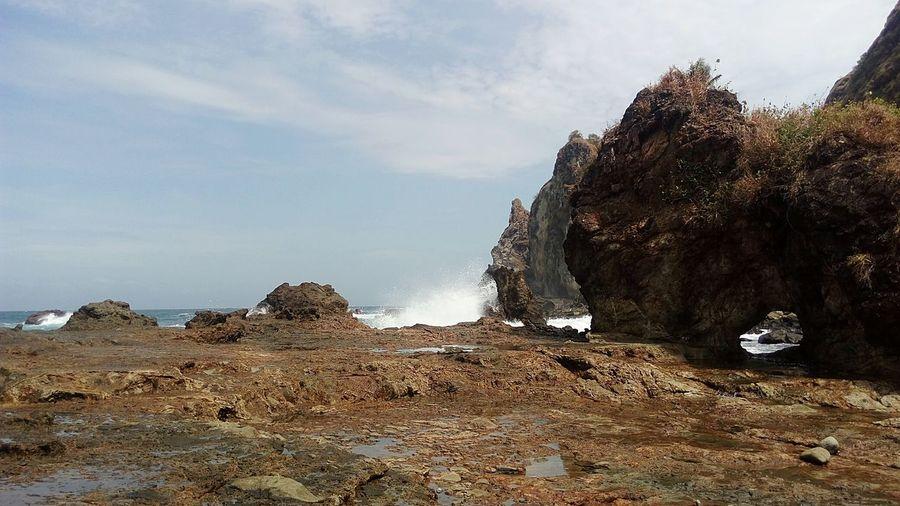 Pantai Watu Lumbung Rock - Object Pantai Yogyakarta Gunung Kidul, Yogyakarta Beach Outdoors First Eyeem Photo