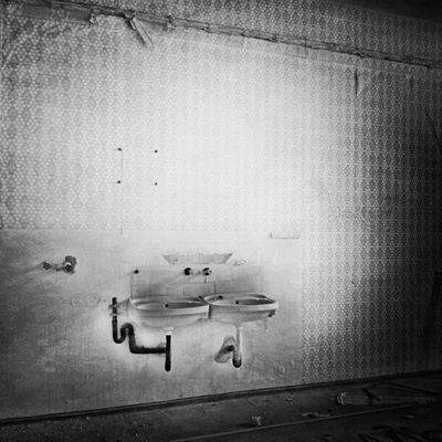 #filthy_sinks Filthyfeeds Photowall_urbex Grime Abandonedbuilding Filthy Irox_bwoftheday Findingbeautyoutofshit Filthy_sinks Filthyfamily Rottenfeed Igdungeon Sfx_urbex Abandoned Beautymess Derelict Lostinplace Decay Beautifuldecay Photowall Organisedgrime Monochrome Loveloveblackandwhite Urbex Irox_bw Urbandecay Grimenoir Partnersingrime Ic_bw