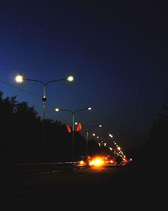 Родной город. краснокаменск огниночногогорода фото типфотограф лавочкискамейки September Mylife Town Follow4follow Like4like Sky Light