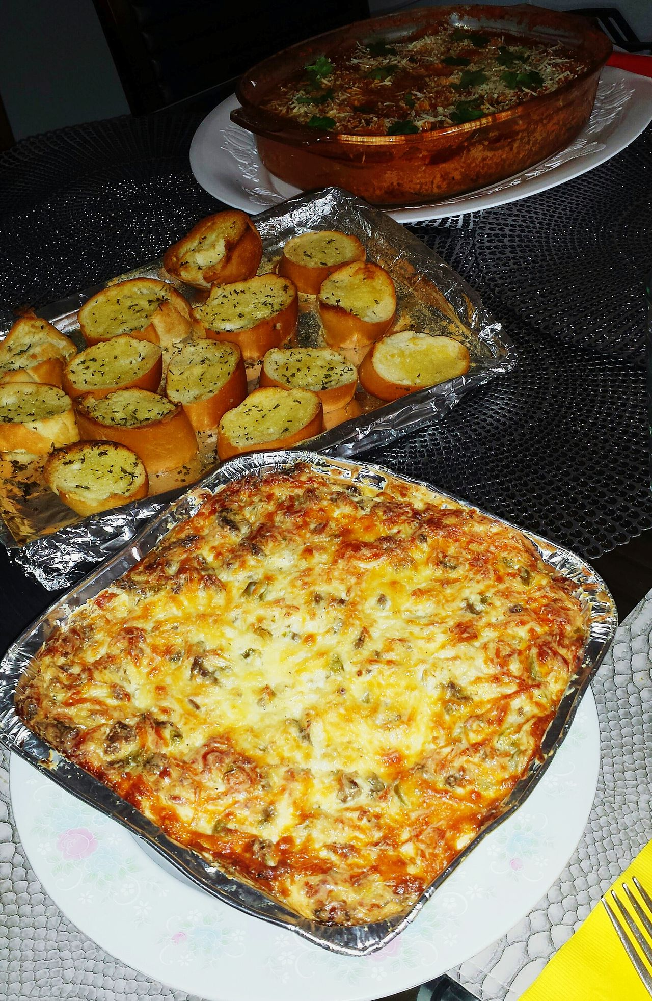 Foodphotography Homemade Food Open Edit Eating With Friends Original Experiences Foodporn Delicious Enjoying A Meal Relaxing Time Want Some? No Diet Light And Shadow Quiche Bread Pasta Foodlover