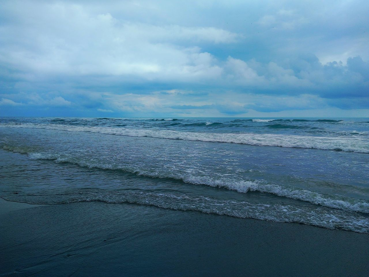 sea, nature, beauty in nature, water, sky, scenics, beach, tranquility, horizon over water, wave, tranquil scene, cloud - sky, outdoors, no people, day, sand