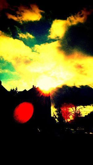 City sky, love, go for a walk Taking Photos