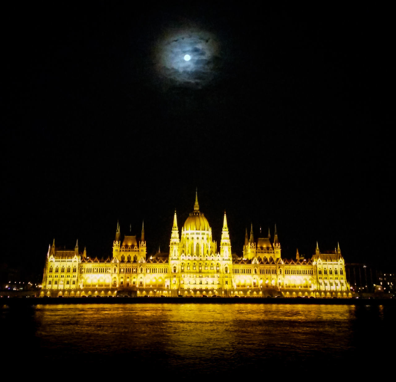 Architecture Budapest Capital Cities  Famous Place Full Moon Night Lights Parlament Parlament Budapest Budapeste Hungary Hungria Gold