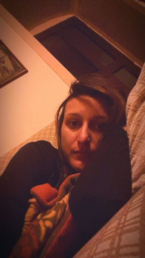 Me Selfie Girl Relaxing Io Taking Photos That's Me Chica Bored SOFA TIME