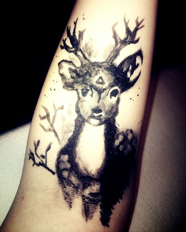 Wanting a tattoo ♥ Playing with eyeliner 😜 Tattoo Faketattoo  Drawing Eyeliner Drew It Myself