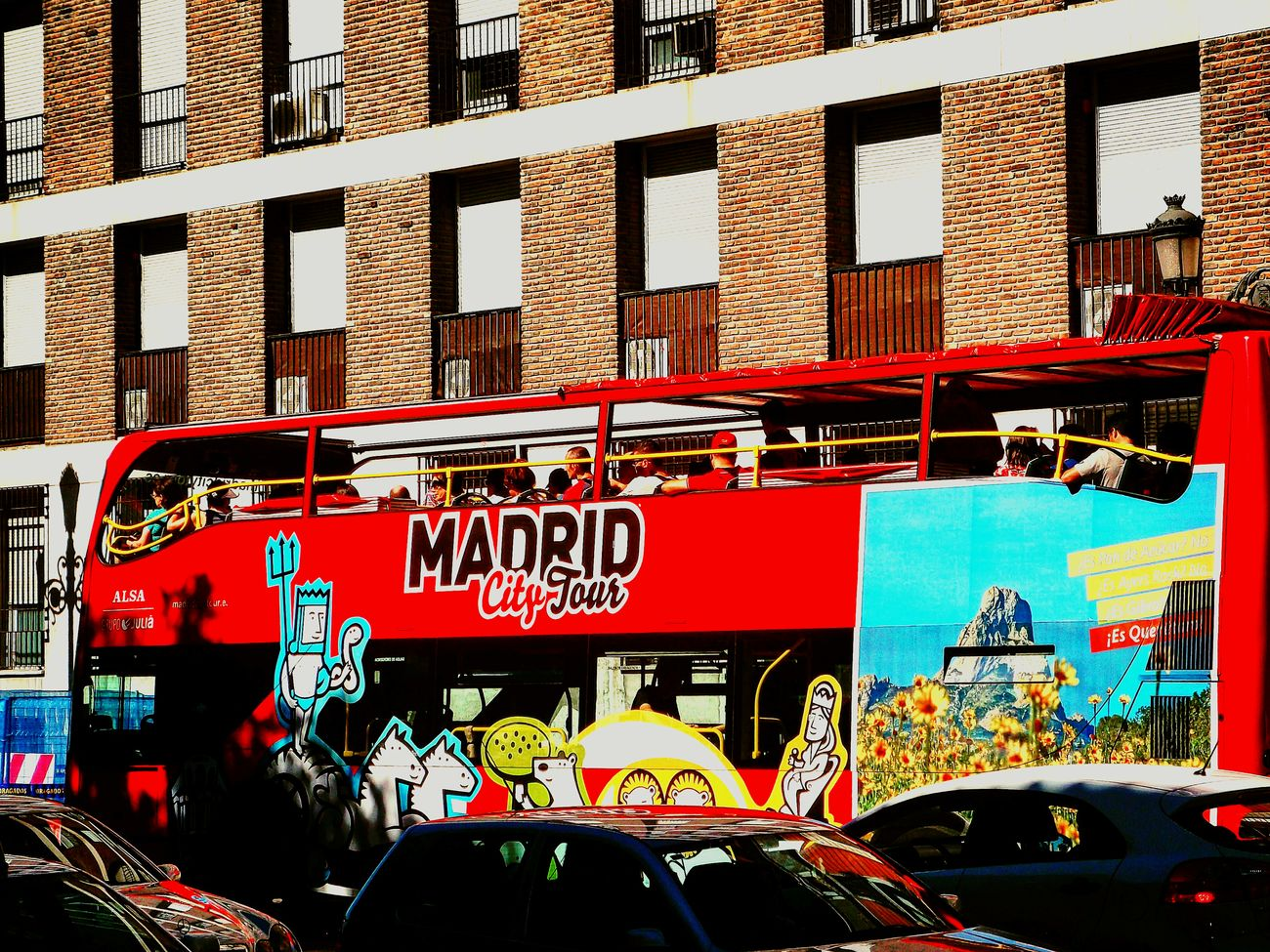Ciudad de Madrid Travel Outdoors City Day Red Photography Streetphotography Street Life Streetstyle Urban Reflections Urbanexploration Urbanphotography Photoshoot Photourist Photographer Spaintoday España🇪🇸 Madrid, España Spainphotographer