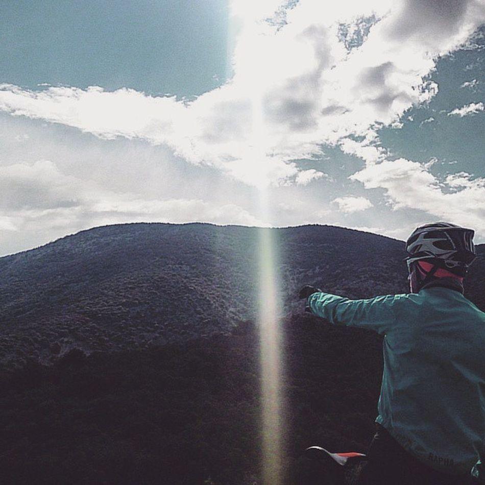 À l'Horizon , le parcours ce profil du Vaucluse à la Drôme Provençale @ladrometourisme ladromeàvelo cycliste cyclisme stravaphoto