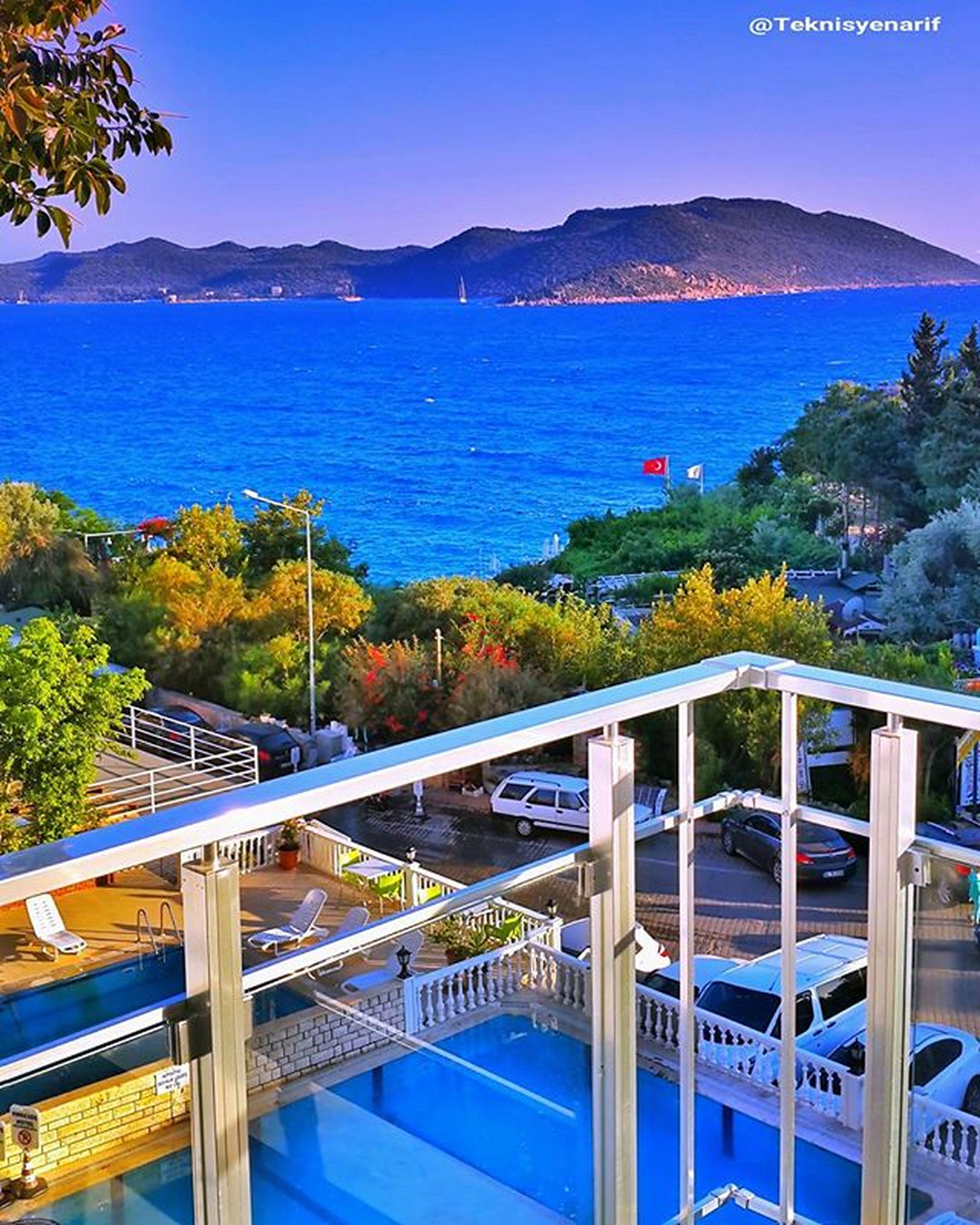 Çok yoruldum, şu balkon keyfi nasıl oluyormuş bi deneyeyim iki dakika 😀😊📷 ⭐My balcony, Habesos hotel kaş antalya turkey 👍 1✏Habesos 2✏Mybalcony 3✏Küçükçakılbeach 4✏ Newsezon2016 5✏Hotel