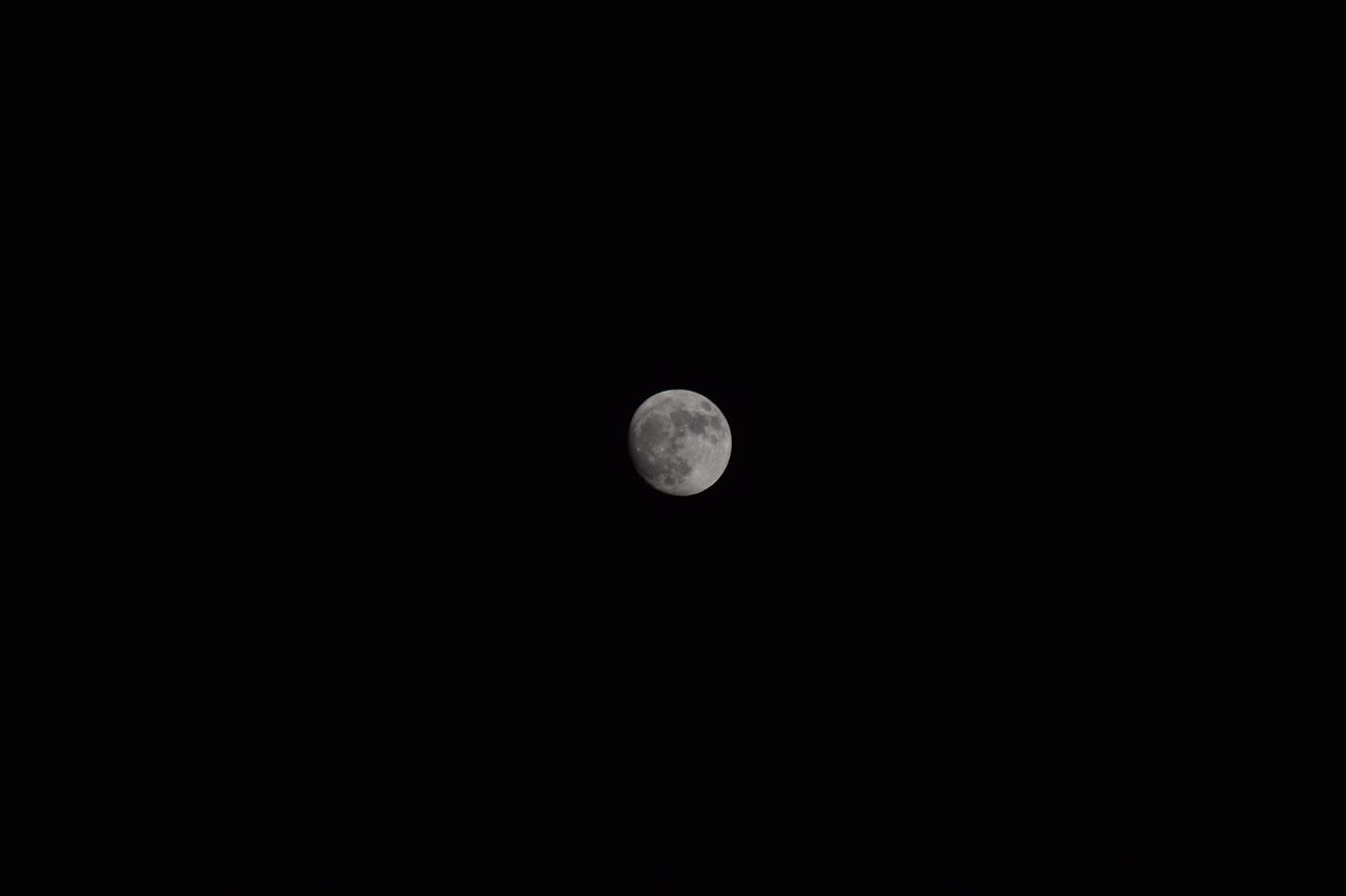 moon, copy space, planetary moon, astronomy, full moon, moon surface, nature, night, beauty in nature, tranquil scene, scenics, tranquility, no people, half moon, low angle view, space exploration, clear sky, outdoors, space, crescent, sky
