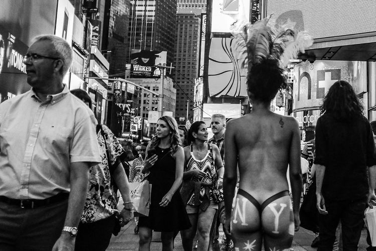 """Serie: """"NYorkers"""" - NYC Sept & Oct 2015 Fujifilm X100T © Carlos Agrazal - New York 2015 - All rights reserved. Black And White Blackandwhite Everybodystreet EyeEm Best Shots Fuji Fujifilm FujiX100T Huffington Post Stories Monochrome New York NYC Picturing Individuality Street Street Photography Streetphoto Streetphoto_bw Streetphoto_color Streetphotography Streetphotography_bw The EyeEm Facebook Cover Challenge The Human Condition The Week Of Eyeem"""