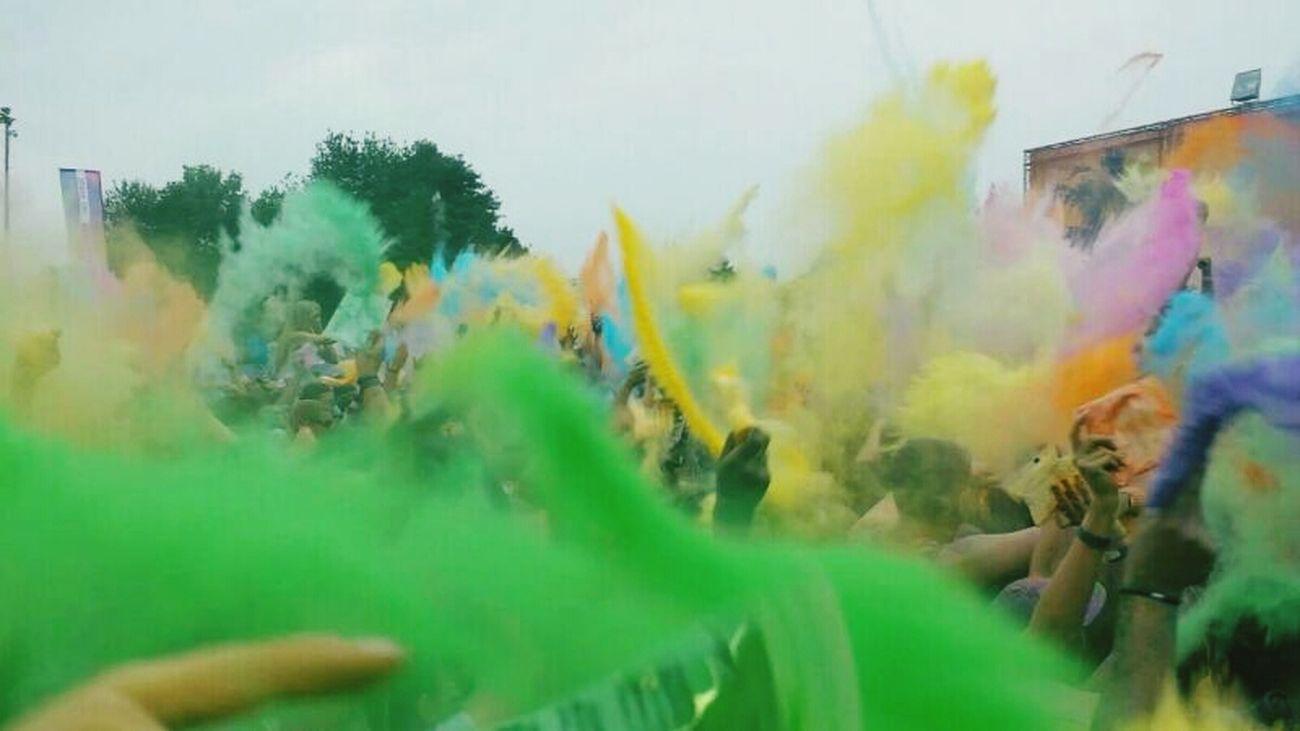 HoliGaudycolor Colorsplash Live Music