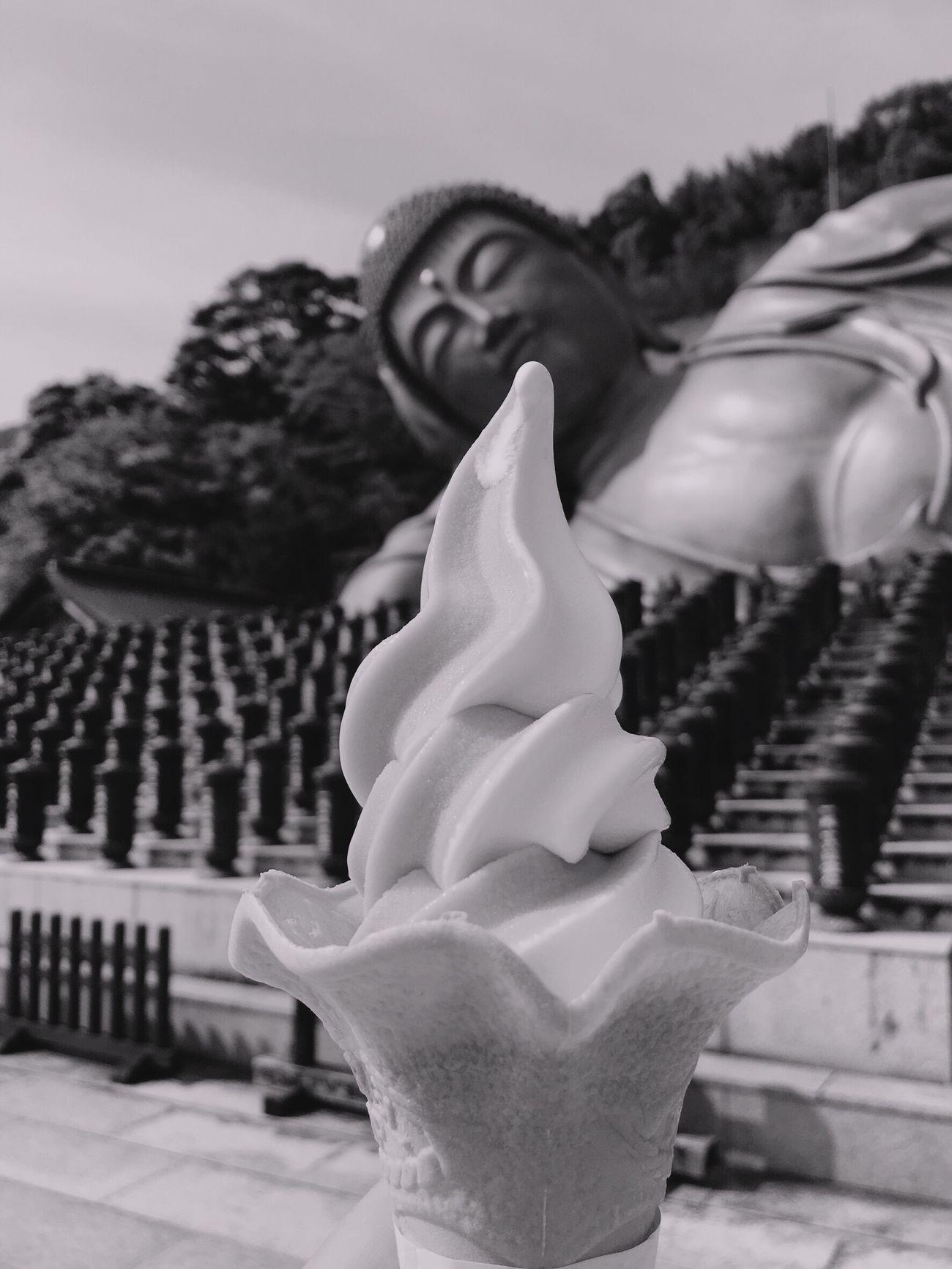 涅槃像とアイス Close-up No People Outdoors Sky Day Statue Ice Cream Fukuoka Fukuoka,Japan