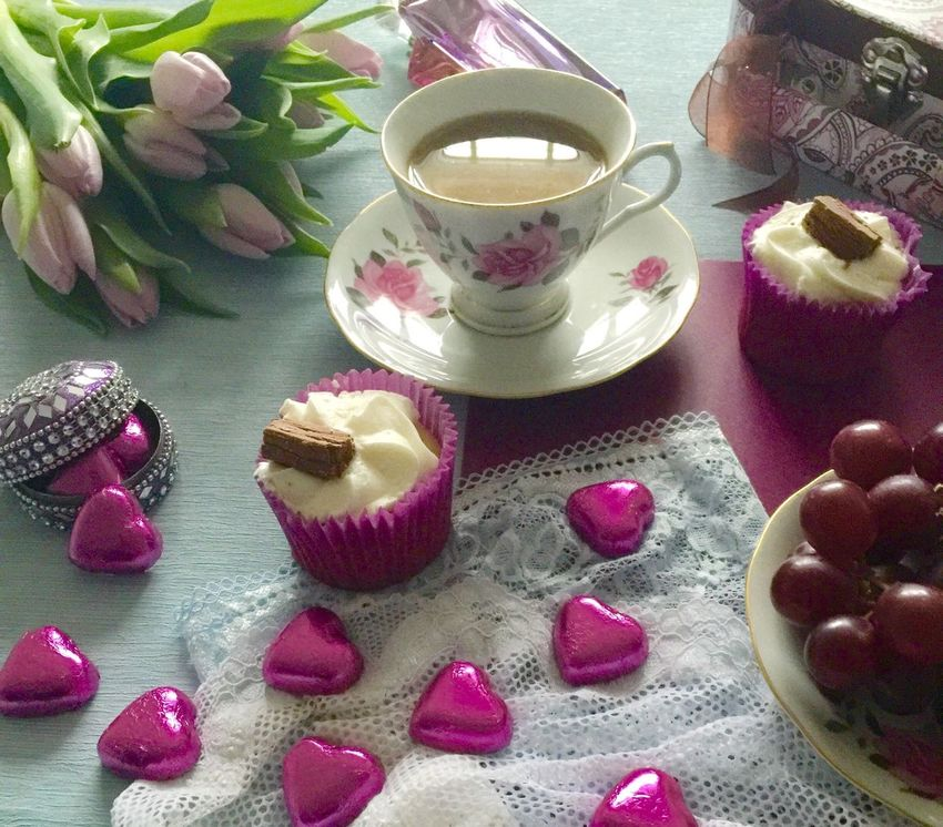 Mothersdaysoon Mothers Day2016 Speacialday Celebrating Mothersdaytreat You Are Special Mothers Day Gift . * Pastel Colors Foodphotography Tulips🌷 Cupcakes Feminine  Desserts Chocolates Perfume Hot Tea Flowers Cups And Saucers Mothersdaygifts Happy Mother's Day! MothersDayCelebration Tea Time Mothersday Love You Perfumecollection