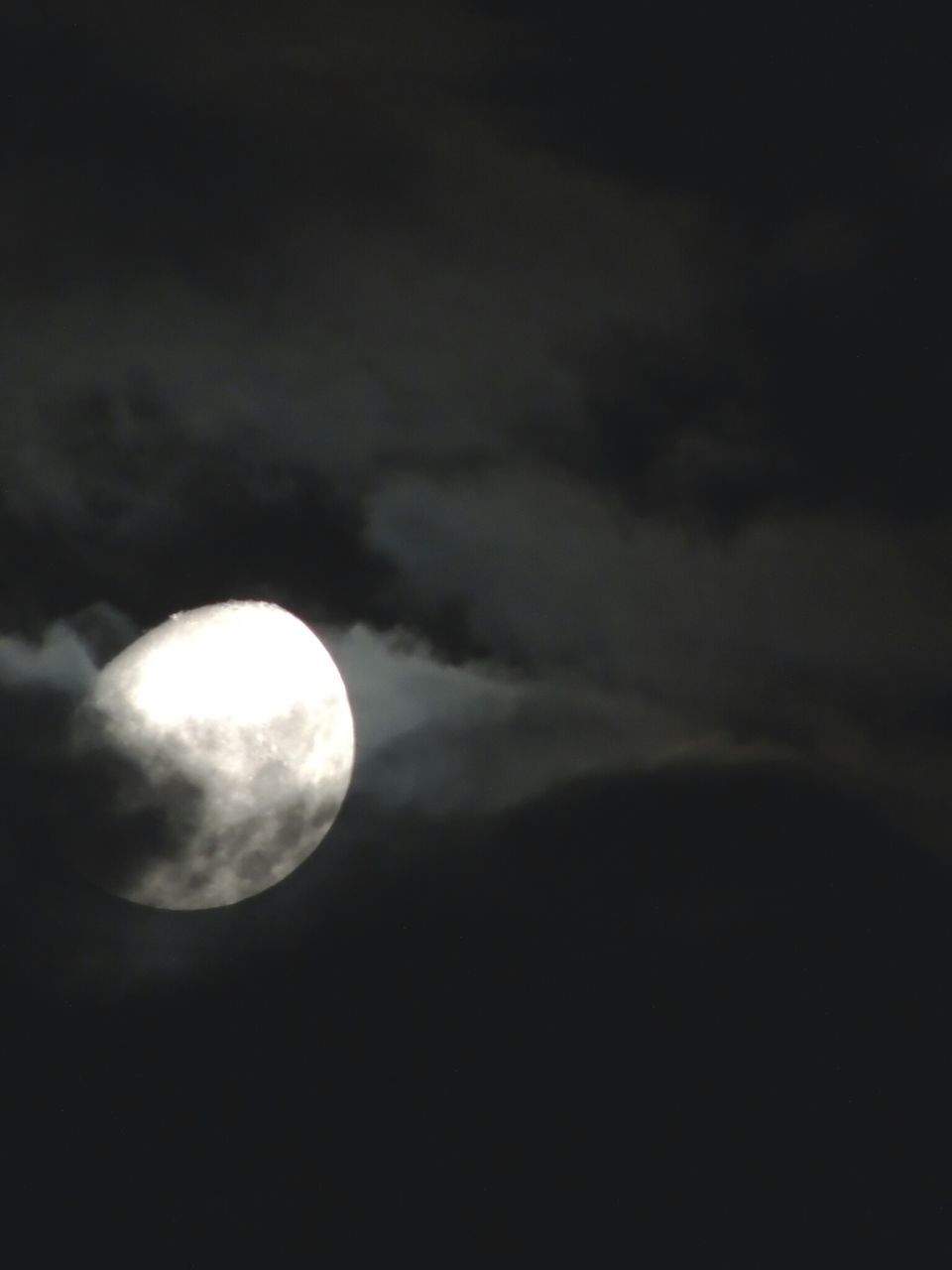 moon, beauty in nature, nature, low angle view, sky, scenics, night, tranquility, astronomy, tranquil scene, planetary moon, sky only, cloud - sky, dark, no people, moon surface, outdoors, half moon, moonlight, space exploration, crescent, space