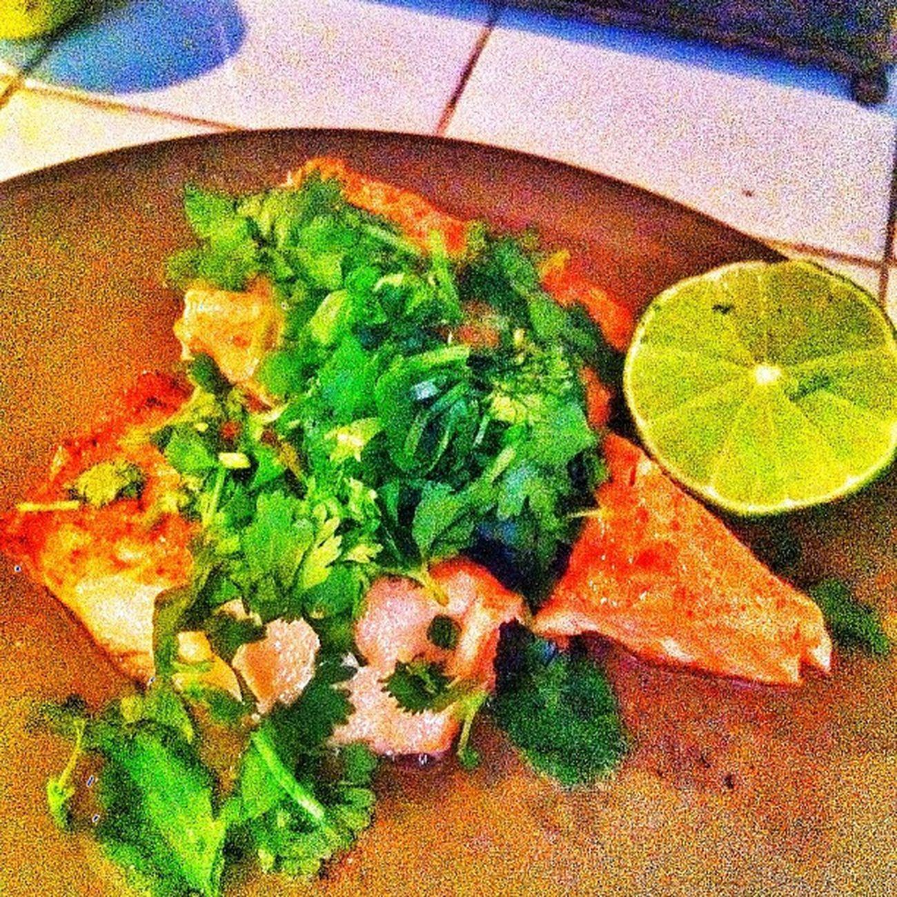 Almost done with my lunch ? Salmon Cylarndro Lemon Rice saladlowfatdressinghealthylivingstayingmotivatedhighlife