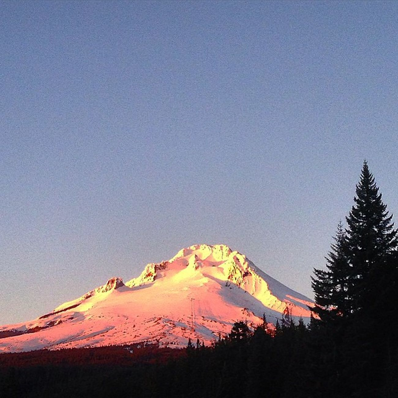 Mt. Hood MtHood Hoodriver HOODLIFE Mountain Sunset Roadporn Earthporn Roadtrip Livelife Lovelife Lovemyjob Youroregon
