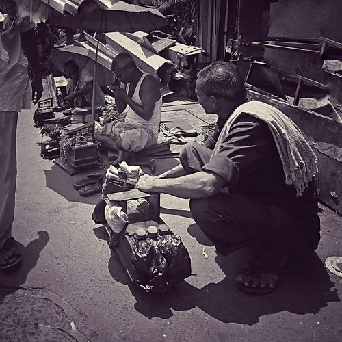 Men Real People Togetherness Day Outdoors Shoe_polish Human Hand Streetphotography Bkack And White