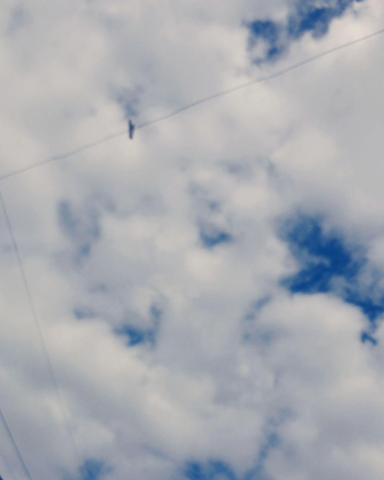 Um dia me disseram que as nuvens não eram de algodão, um dia me disseram qur o vento as vezes erram a direção (8) Sky Nuvens Relaxing