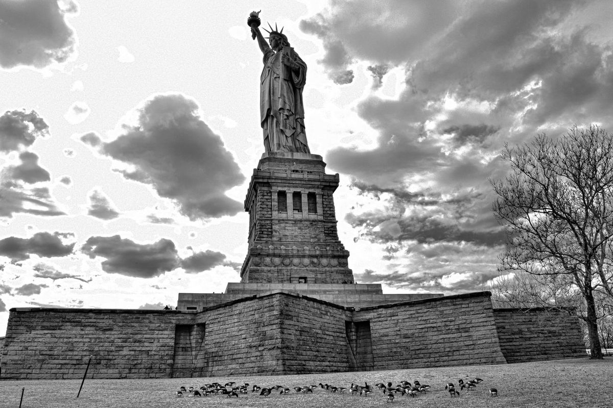 Journey New York City Statue Of Liberty Check This Out Black & White Beautiful Birds Life In Motion Beauty Redefined EyeEm Best Shots Visual Thought 43 Golden Moments Showcase July Battle Of The Cities Architecture