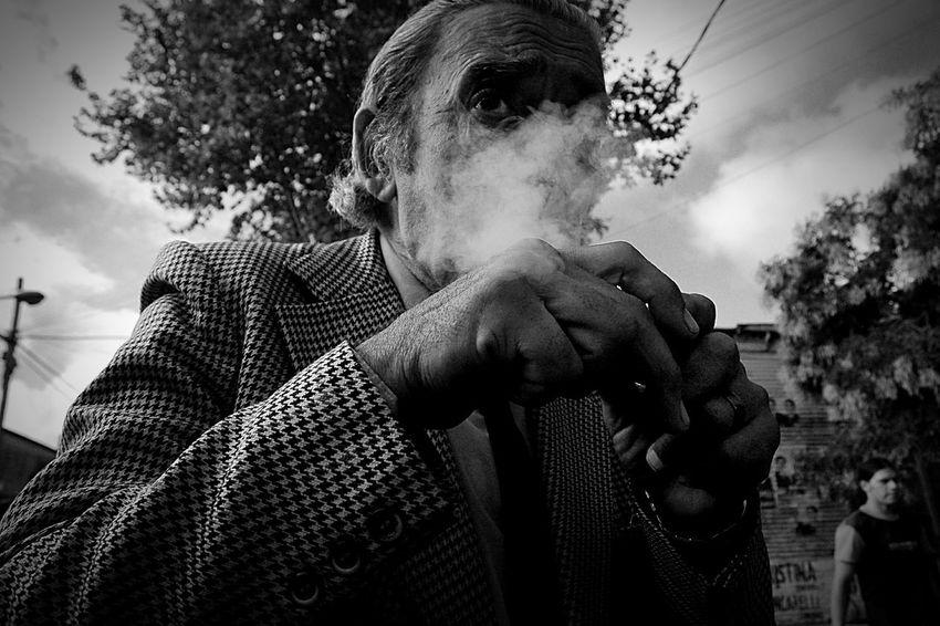 Far , Enjoying Life Urbanphotography Citylife Streetphotography Monochrome Black & White Sudakas Shades Of Grey Beautiful People Collected Community en bs as, Arg.