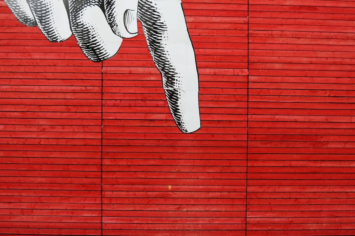 Finger pointing OpenEdit Street Photography Streetphotography Streetgraffiti EyeEm Best Edits Eye4photography