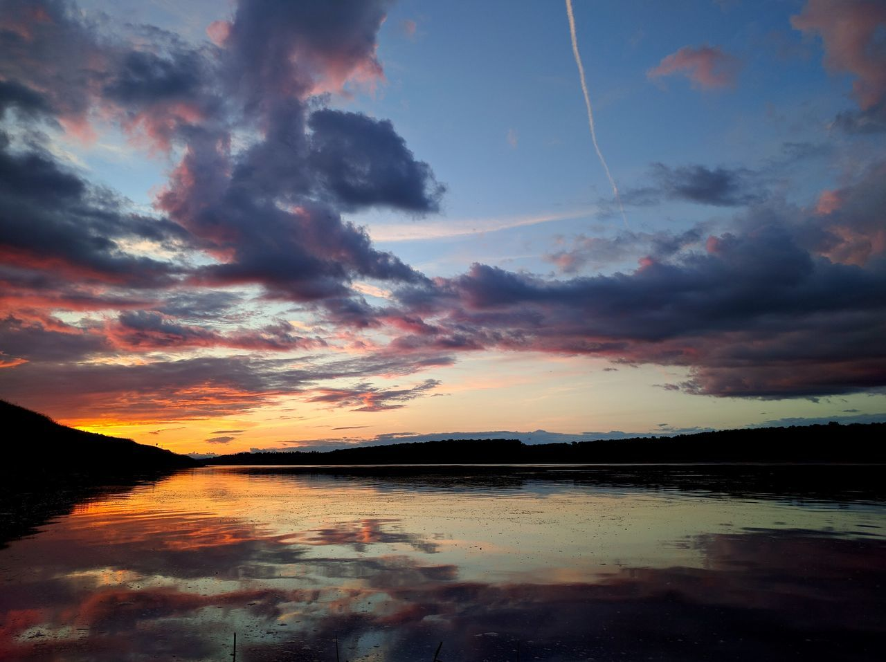 """Marine Sunsets"" Sunsets Nofilter Pacific Northwest  Tranquil Scene Scenics Sky Reflection Cloud - Sky Unknown Photgraphy"