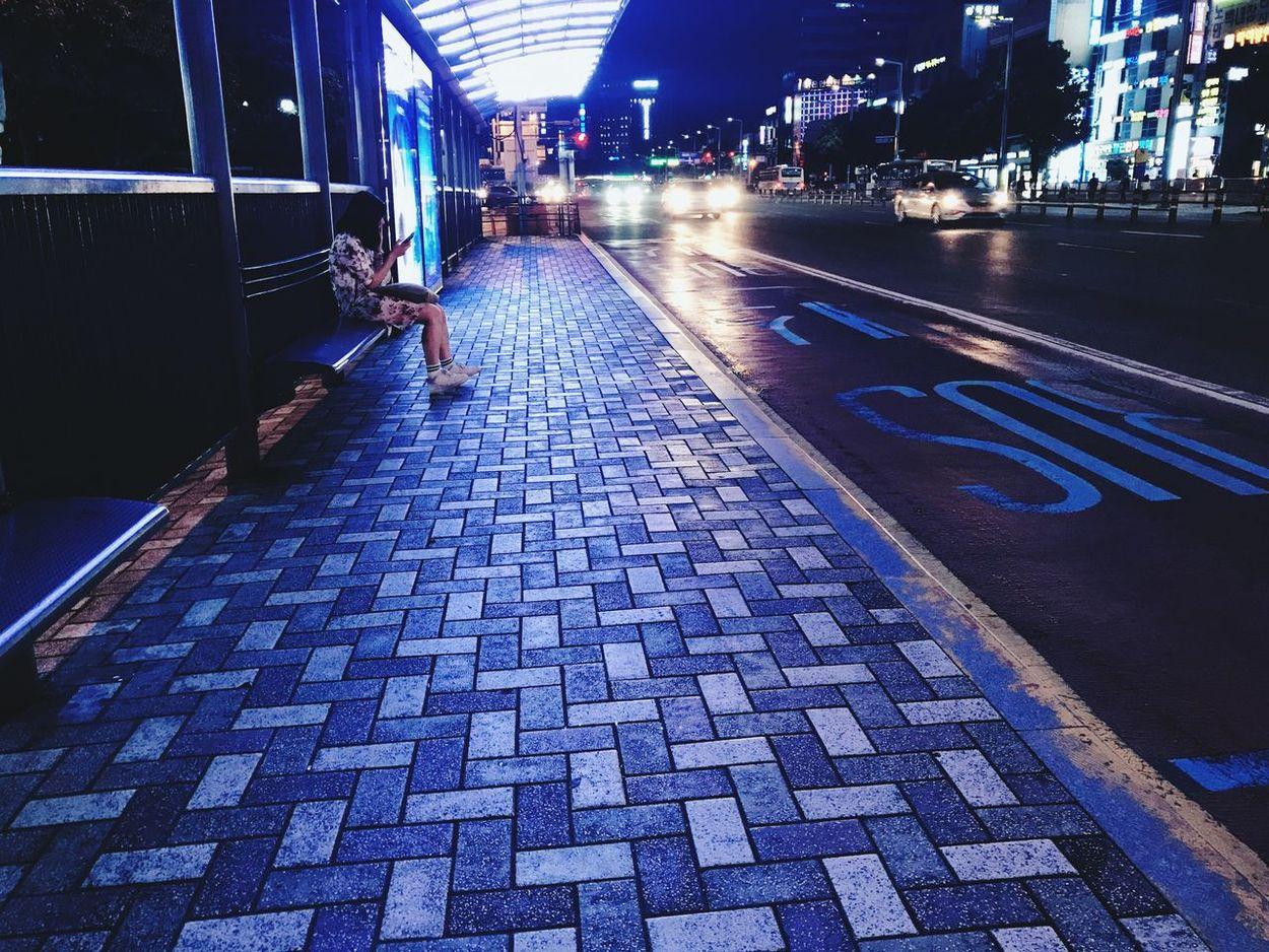 Busterminal Pm0909 Agirl Backhome Transportation バス停 帰り道 Iwaswaitingbusno87 Busan,Korea Seomyeon Iphone7photo Analoglondon Downtown なんとなく 切なくて Dryandwindy