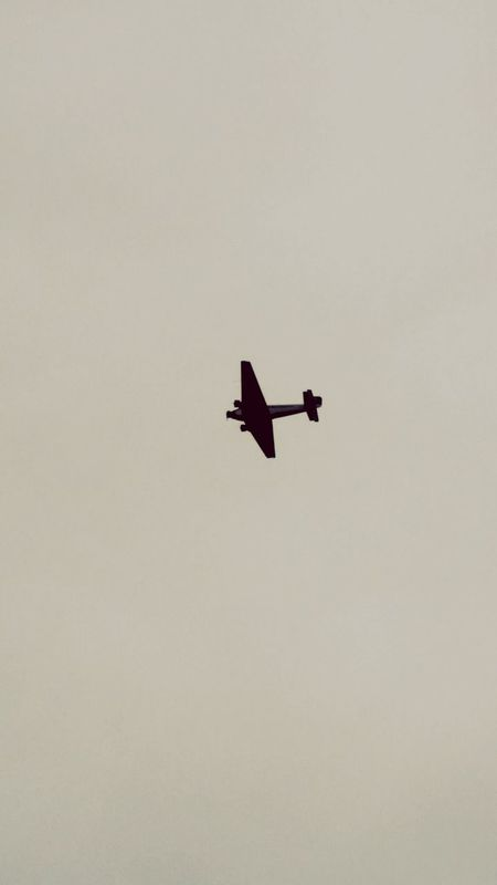 Scenics No People Outdoors Sky Air Vehicle Mode Of Transport Transportation Flying Areoplane Old Catching A Moment On Camera Fly Cloud - Sky