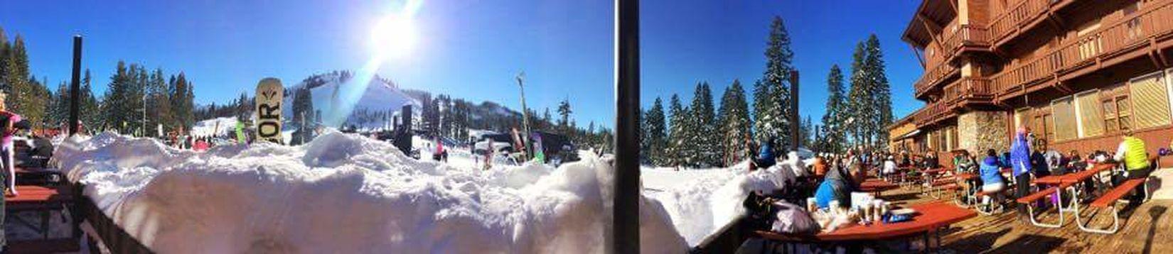 Panoramic Sugarbowl Snow ❄ Snowboarding Friends Hey :)