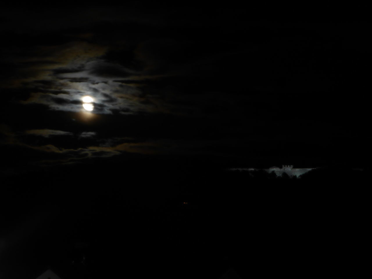 Festung bei Nacht Cloud - Sky Cloudy Illuminated Moon Moonlight Nature Night Outdoors