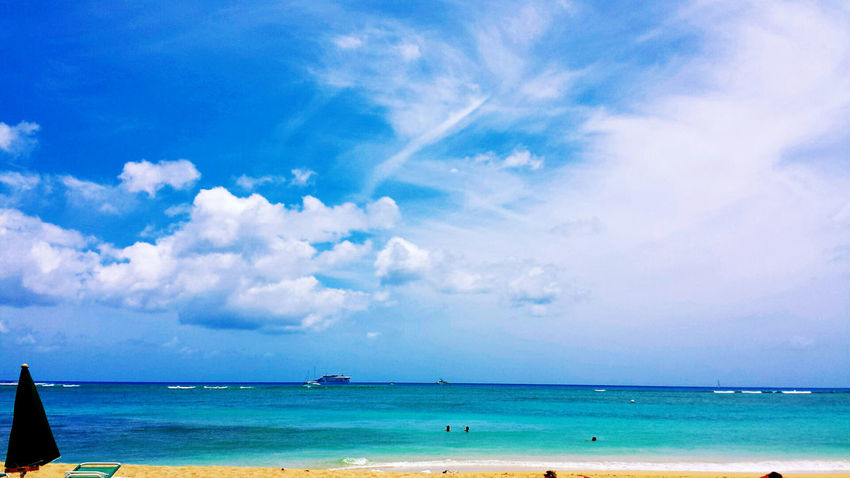 Beach Beauty In Nature Blue Cloud - Sky Day Hawaii Honolulu  Horizon Over Water Nature No People Ocean Outdoors Scenics Sea Sky Tranquil Scene Tranquility Travel Destinations Waikiki Waikiki Beach Water The Great Outdoors - 2017 EyeEm Awards Live For The Story Sommergefühle Been There. Lost In The Landscape