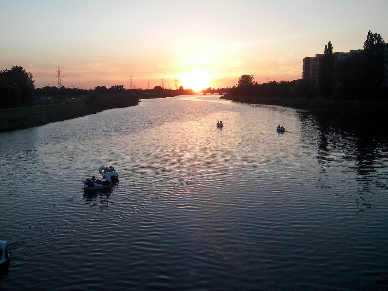 Sunset Water Reflection Outdoors Tranquility Silhouette Nature Evening Bihor Panoramic Photography Summer Romania Nagyvárad City Urban Oradea,România River Boats Activity Quiet Moments Chill Mode Sun Sunlight Warm Sky
