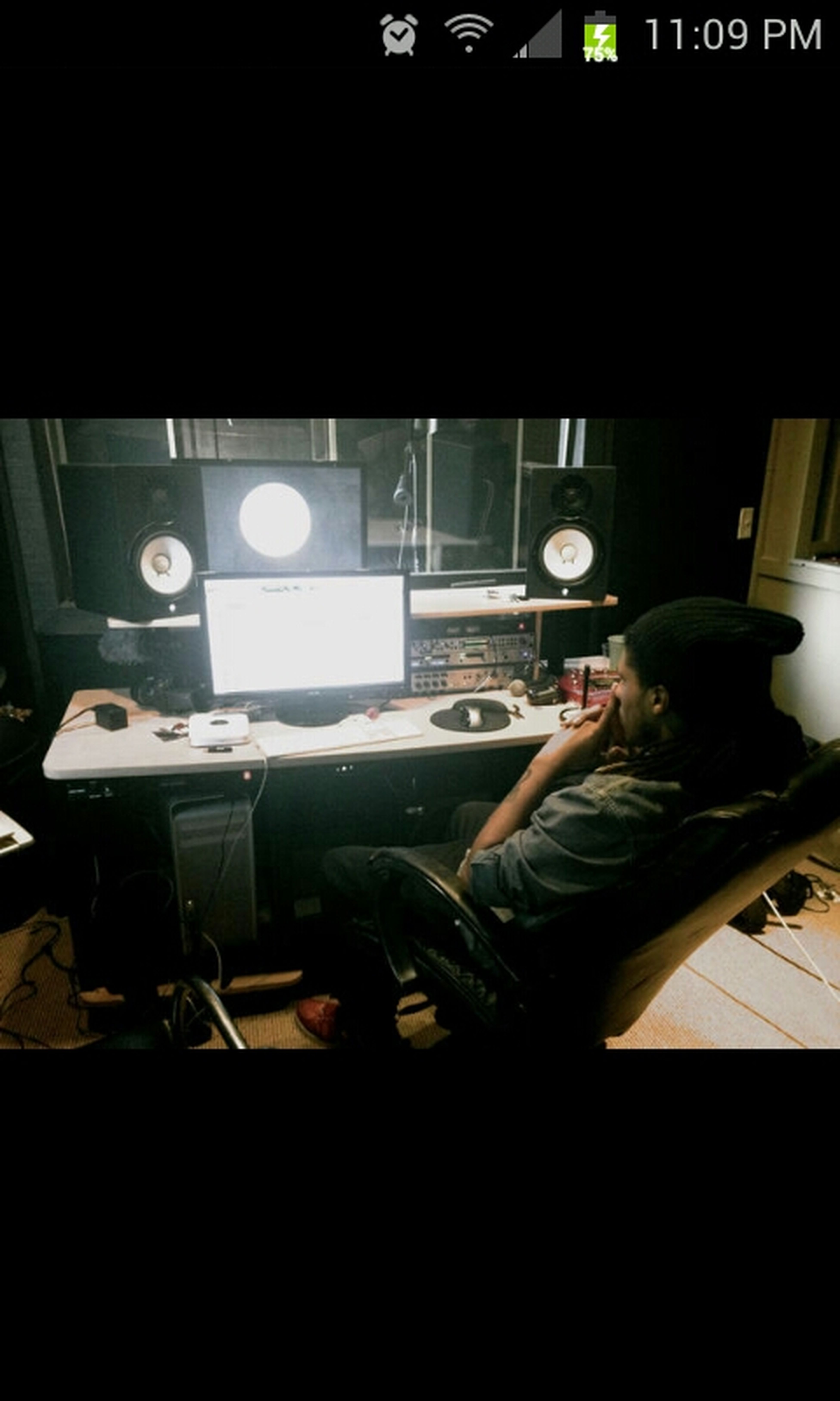 MY NIGGA FOCUSED ON GETTING THIS MUSIC RIGHT!! BOSS VISION ENTERTAINMENT