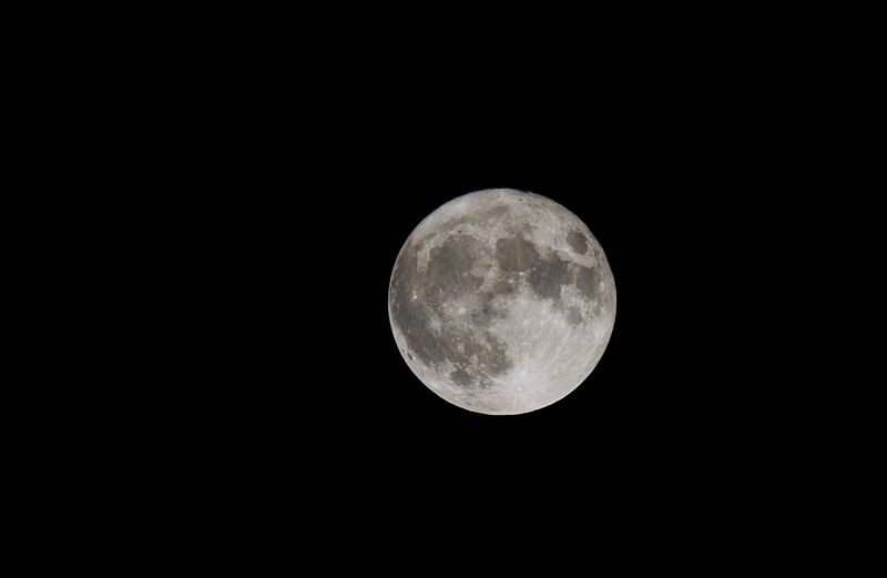 Moon Copy Space Night Full Moon Astronomy Beauty In Nature Nature Moon Surface No People Scenics Outdoors Super Moon Supermond Supervollmond Space Sky Black Background