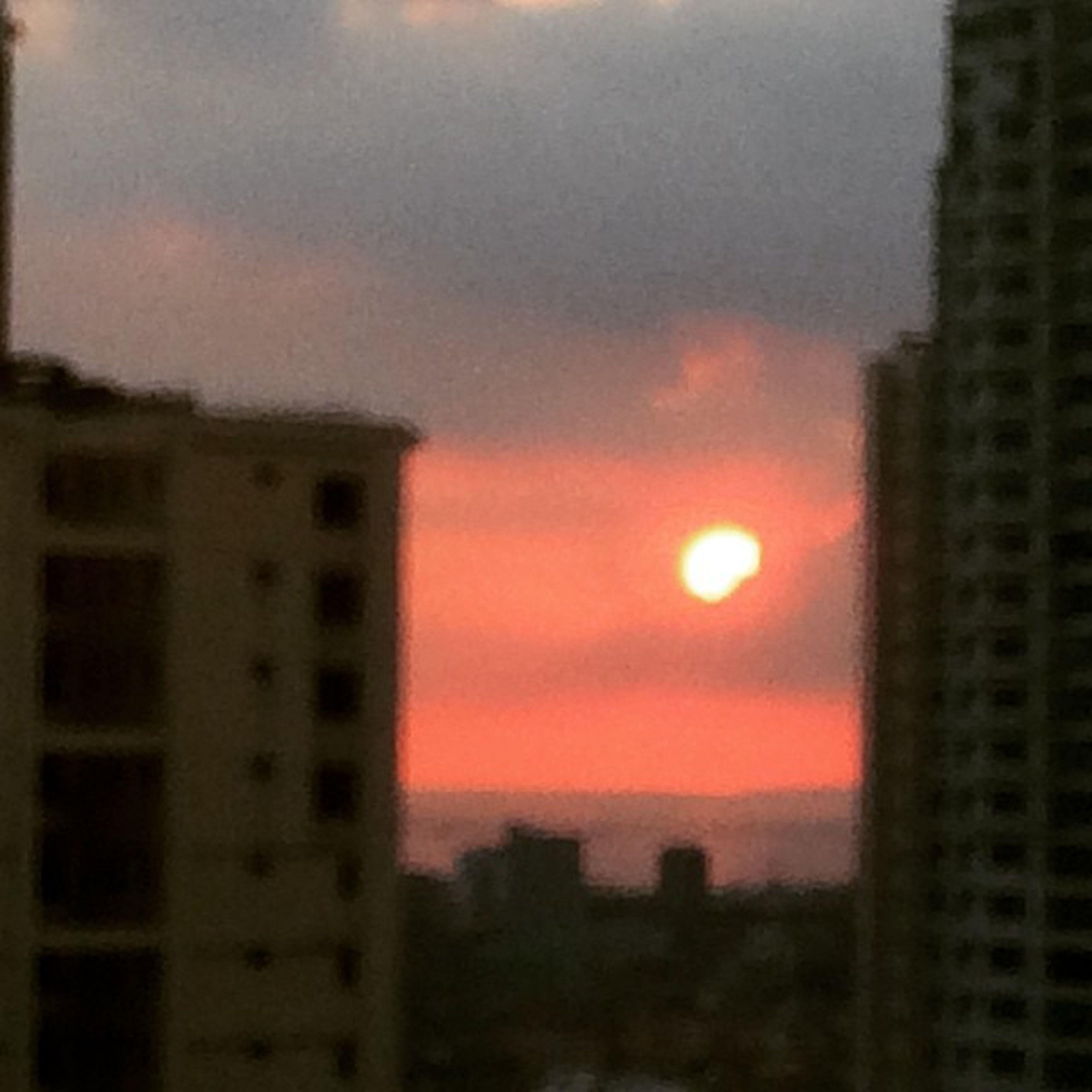 sunset, building exterior, architecture, orange color, built structure, sky, city, sun, cityscape, cloud - sky, silhouette, residential structure, scenics, no people, residential building, outdoors, nature, building, beauty in nature, dusk