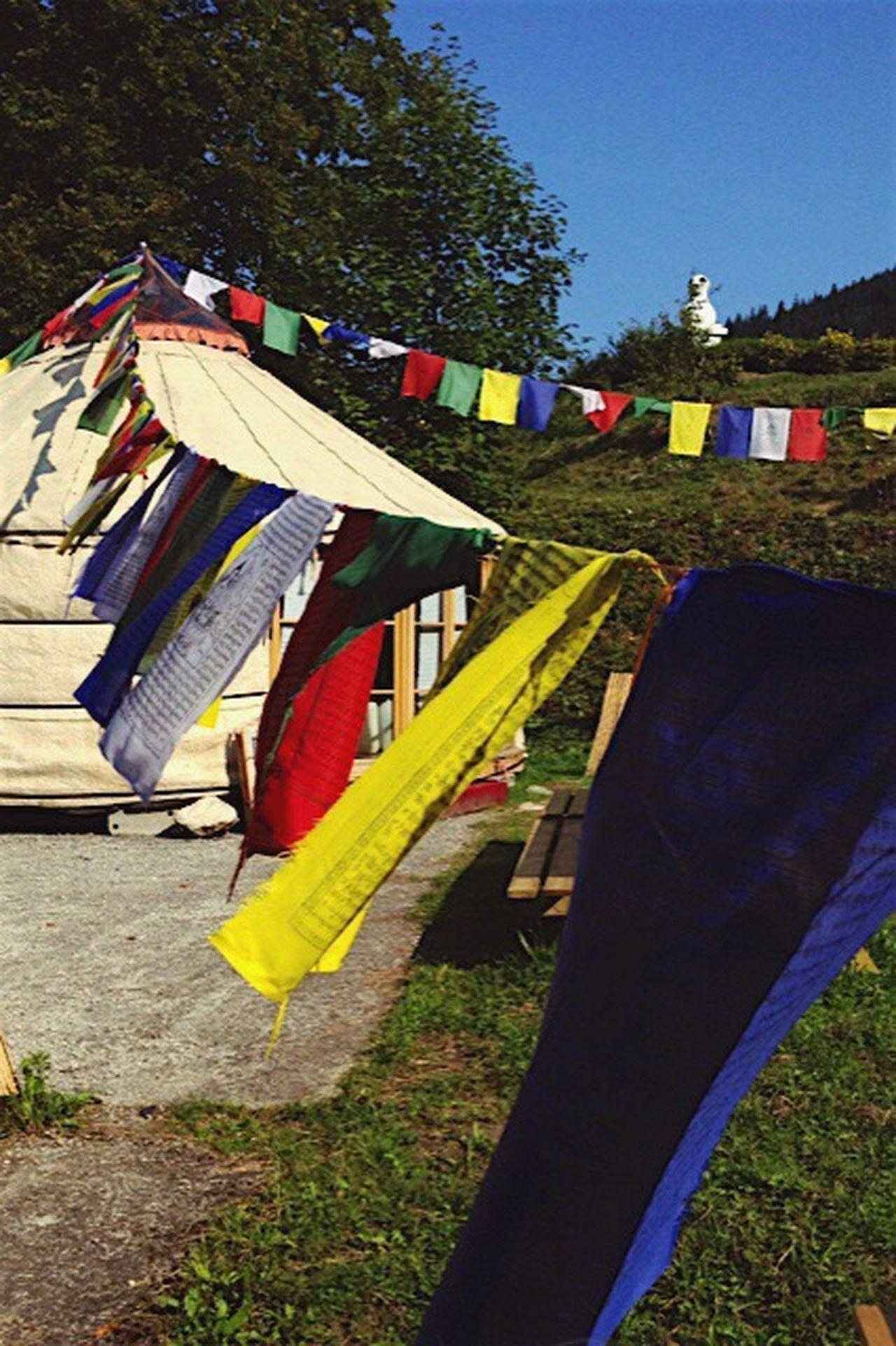 Temple Bouddhisme Drapeau Tibetan  Priere Pray Praying PrayforNepal Love Mantra