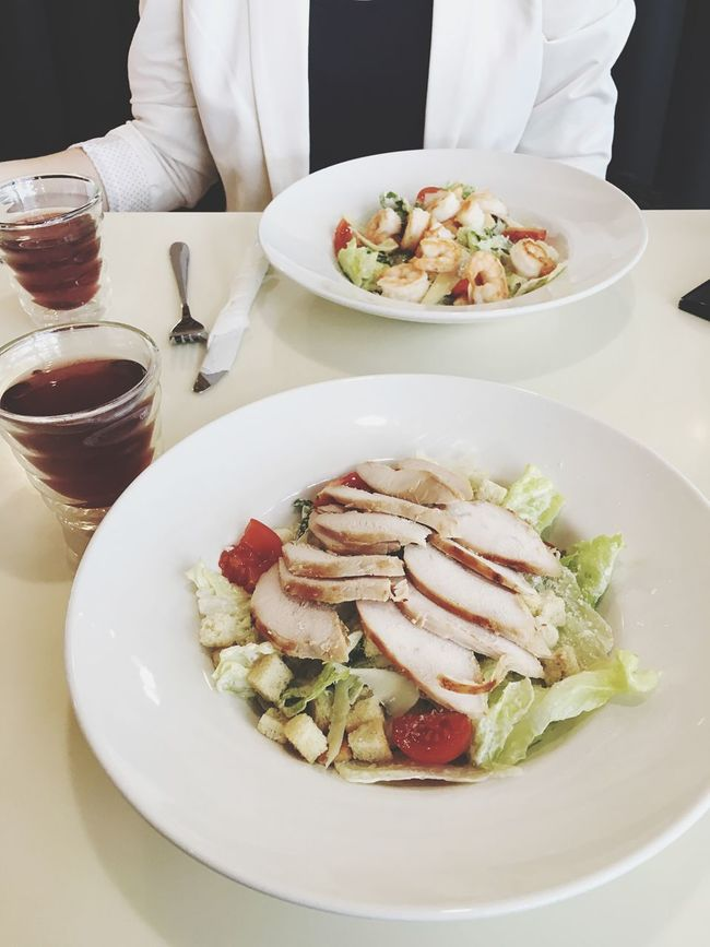 Salad Ceasar Girl Friends кофейня