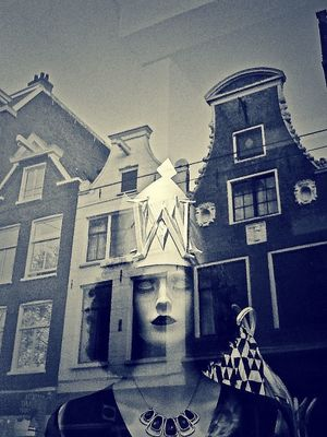 Window shopping in Amsterdam by Elisa Biagi