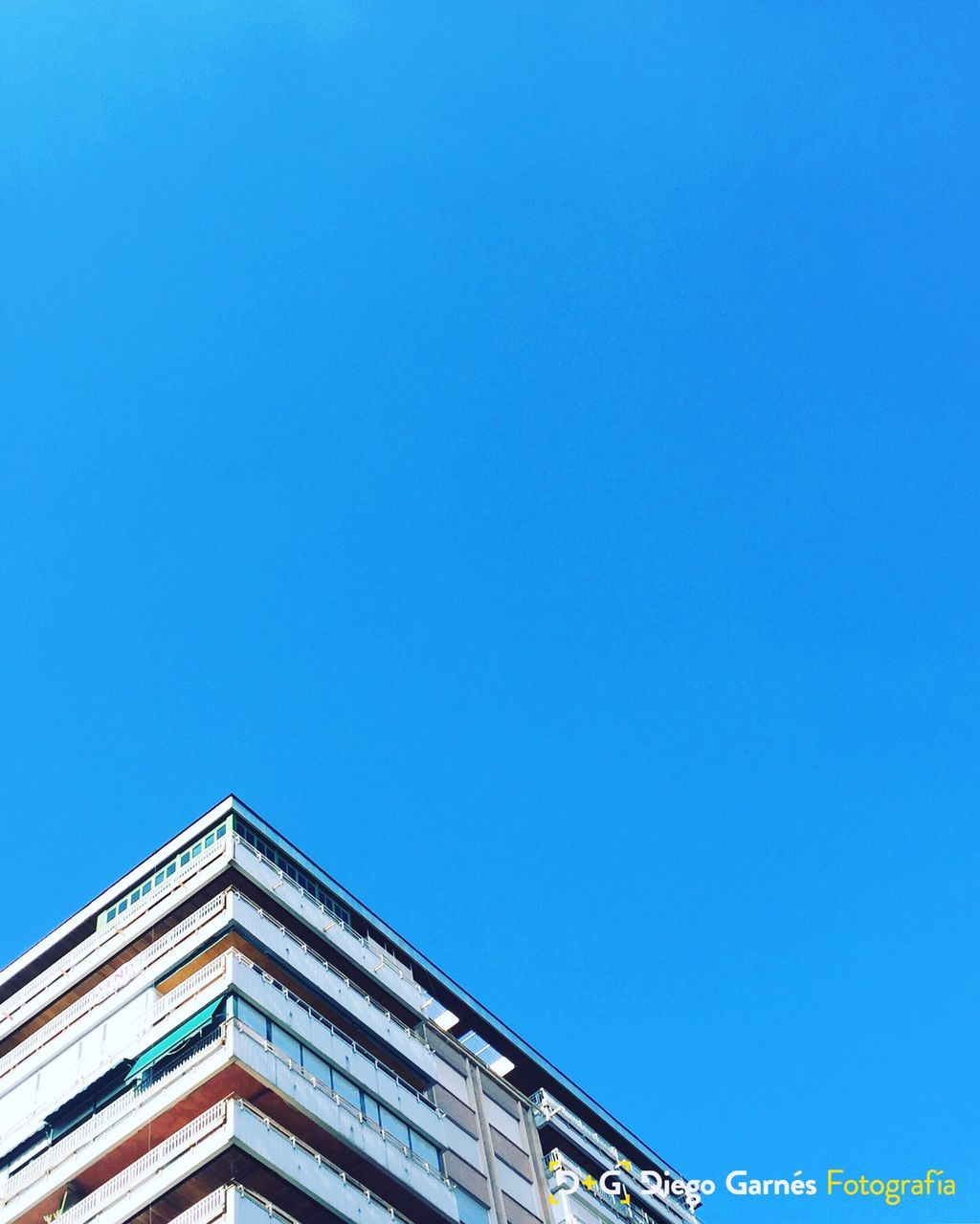 architecture, built structure, copy space, building exterior, blue, clear sky, low angle view, day, no people, outdoors, sky