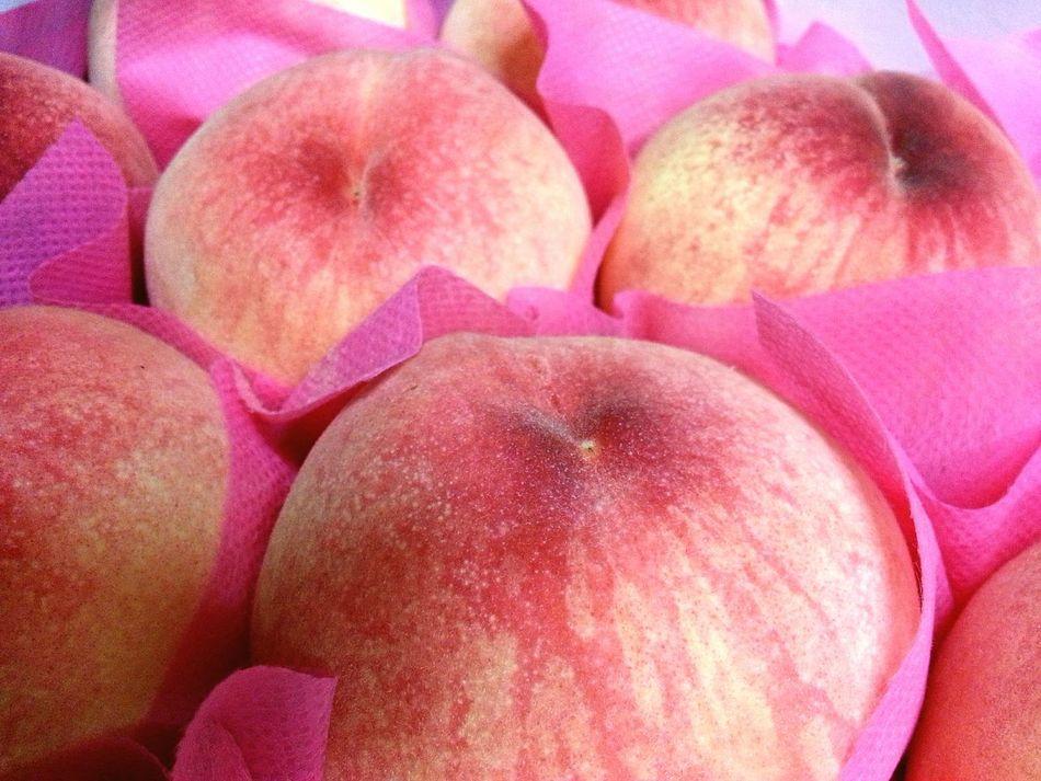 Peaches Eat More Fruit Looksyummy