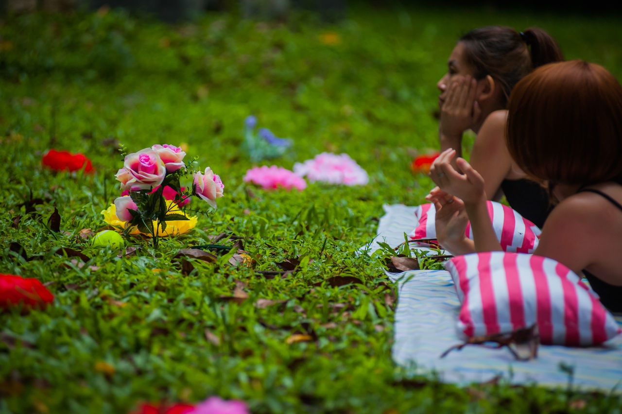 Adult Child Childhood Day Flower Girls Mother Outdoors People Picnic Togetherness Two People Women