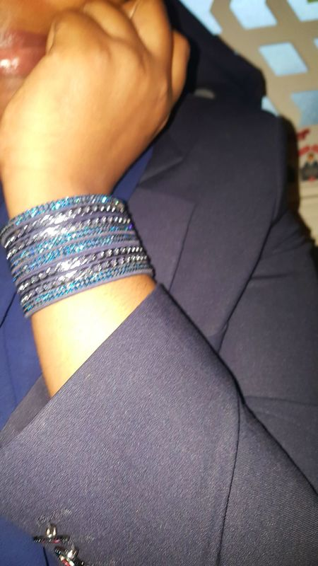 Only Women One Person One Young Woman Only Bluecolor Bluewrap Day Bluejacket Bluebracelet 💙☺