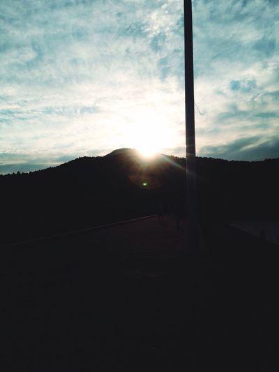 The sun smlie.