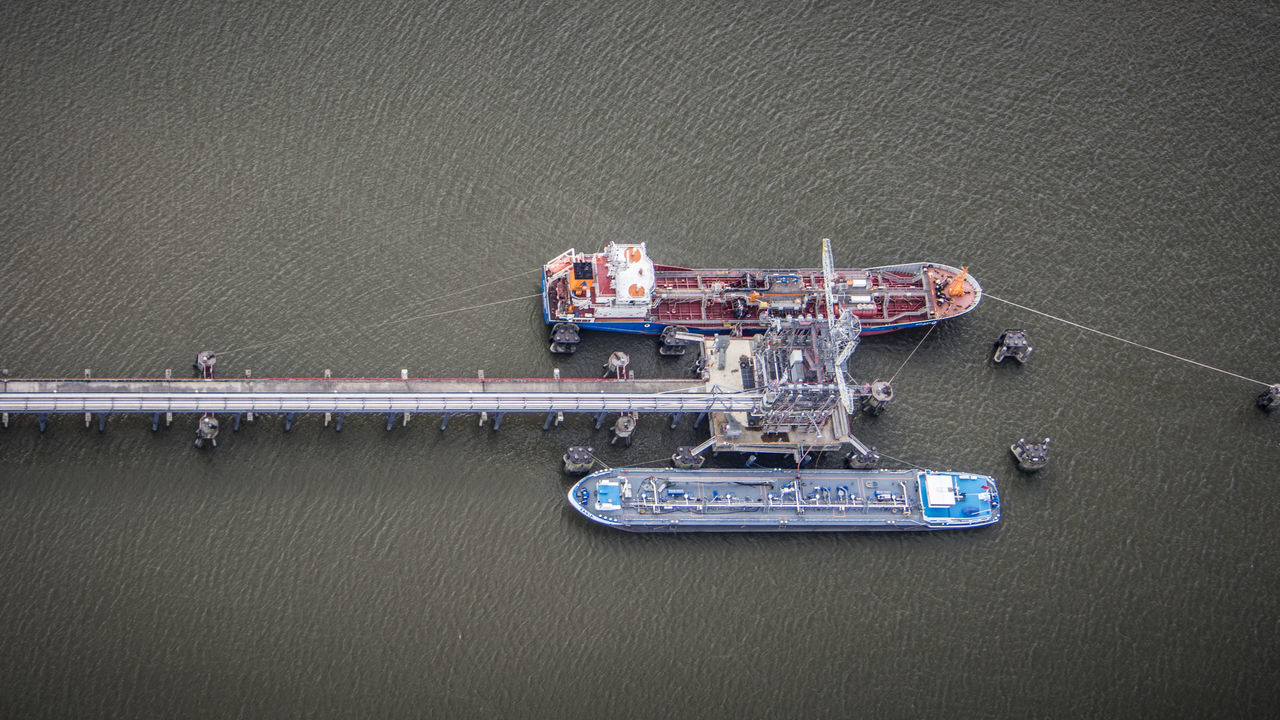 Elevated Harbor View Aerial Shot Aerial View Docklands Docks Elbe Elbe River Elevated View Flugtraum.de Free Alongside Ship Free On Board From Above  Gyrocopter Gyrocopter Flight Hamburg Harbor Harbour Maritime Nautical Vessel Ships Vessel Water Waterfront A Bird's Eye View