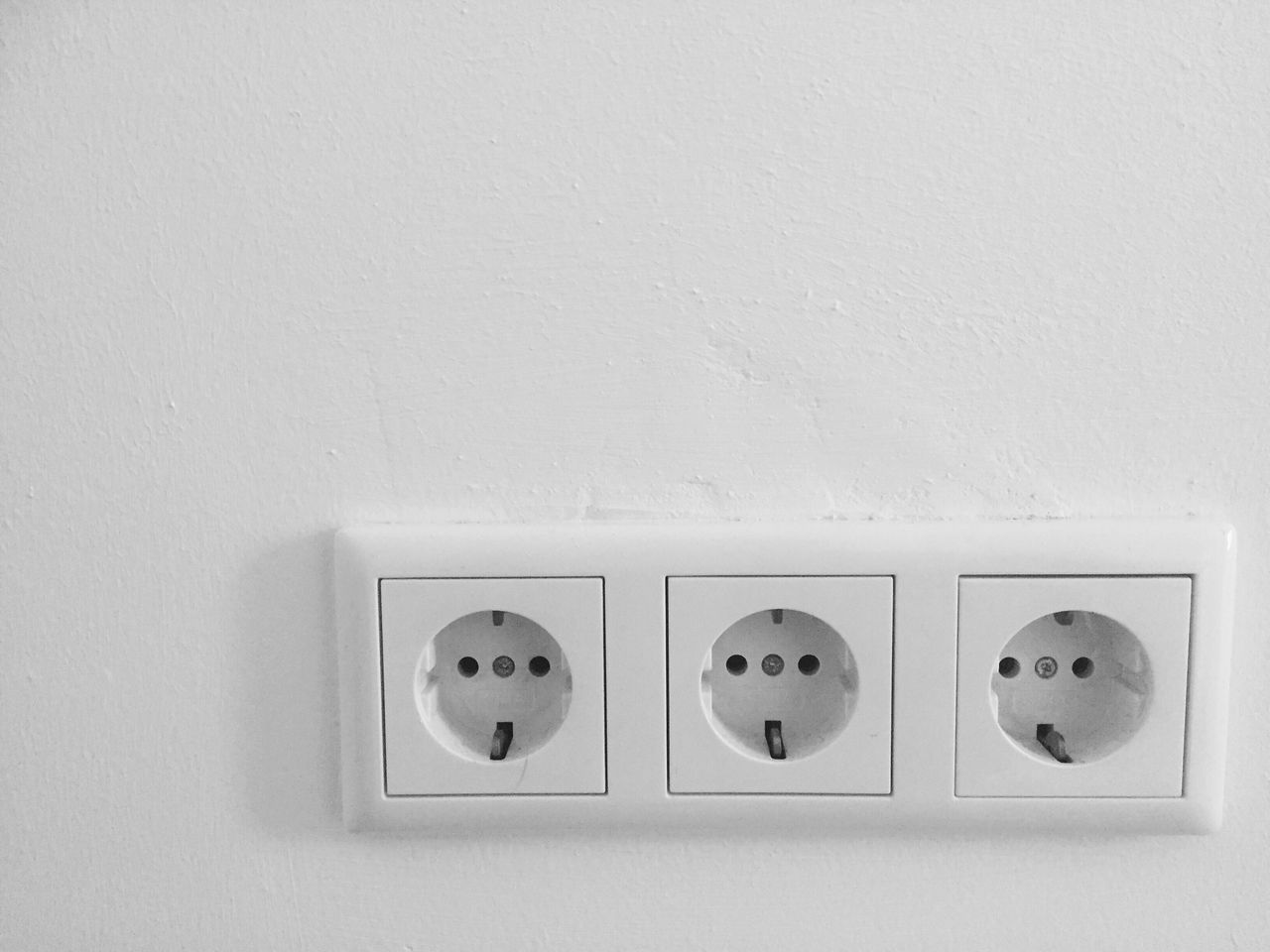 EyeEm Selects Indoors  Electricity  Technology Architecture White Long Exposure Fantasy Socket Outlet Art EyeEm Best Shots Living Three Wall Clean Technology Photography Light Shadow EyeEm Selects