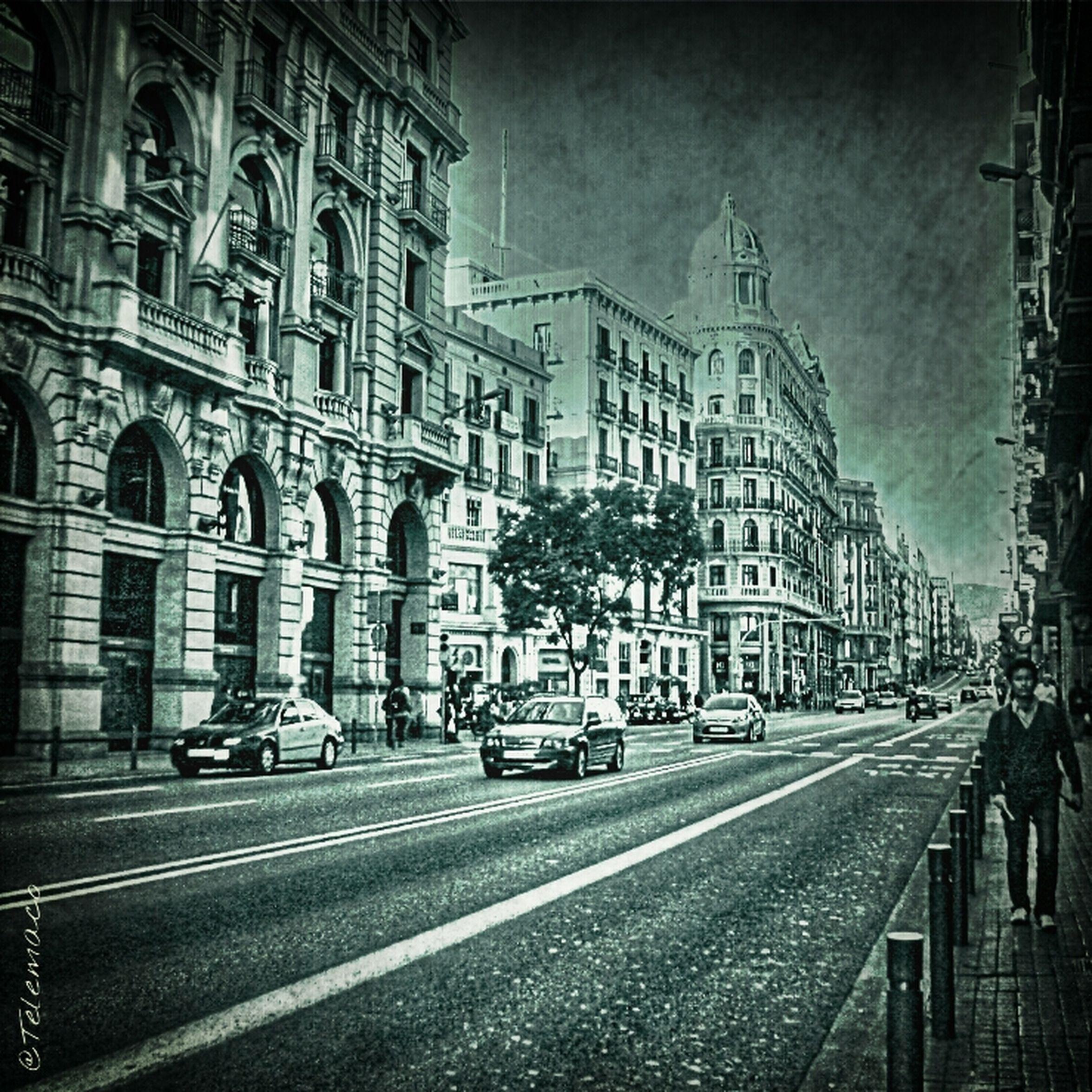 Via laietana Streetart Streetphoto_bw Movilgrafias Streetphotography