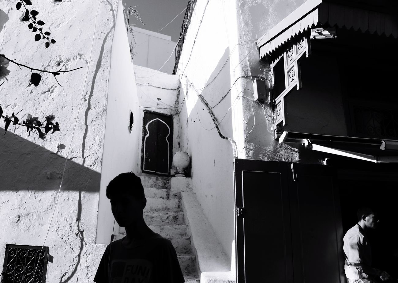 Shootermag Streetphotography AMPt - Street Tunisia Street Photography Streetphotography_bw Street Life Blackandwhite Blackandwhite Photography Sidi Bou Said
