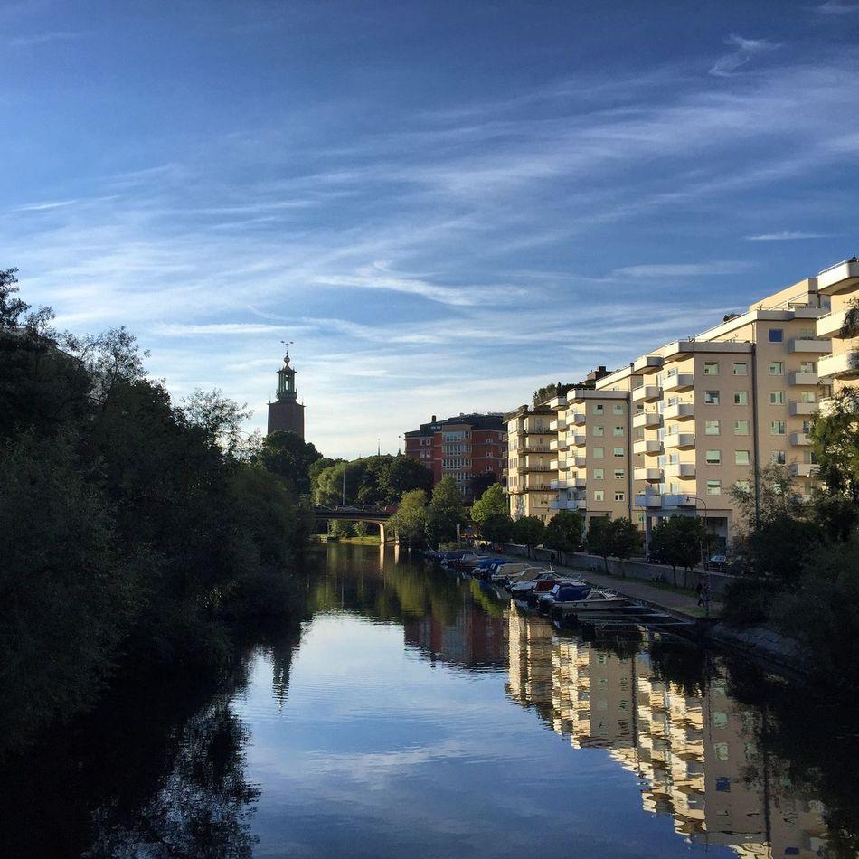 Good morning Stockholm | Good Morning Stockholm Kungsholmen Sky Skyporn Himmel Himmelporr блакитне в синьому Lake Sjo