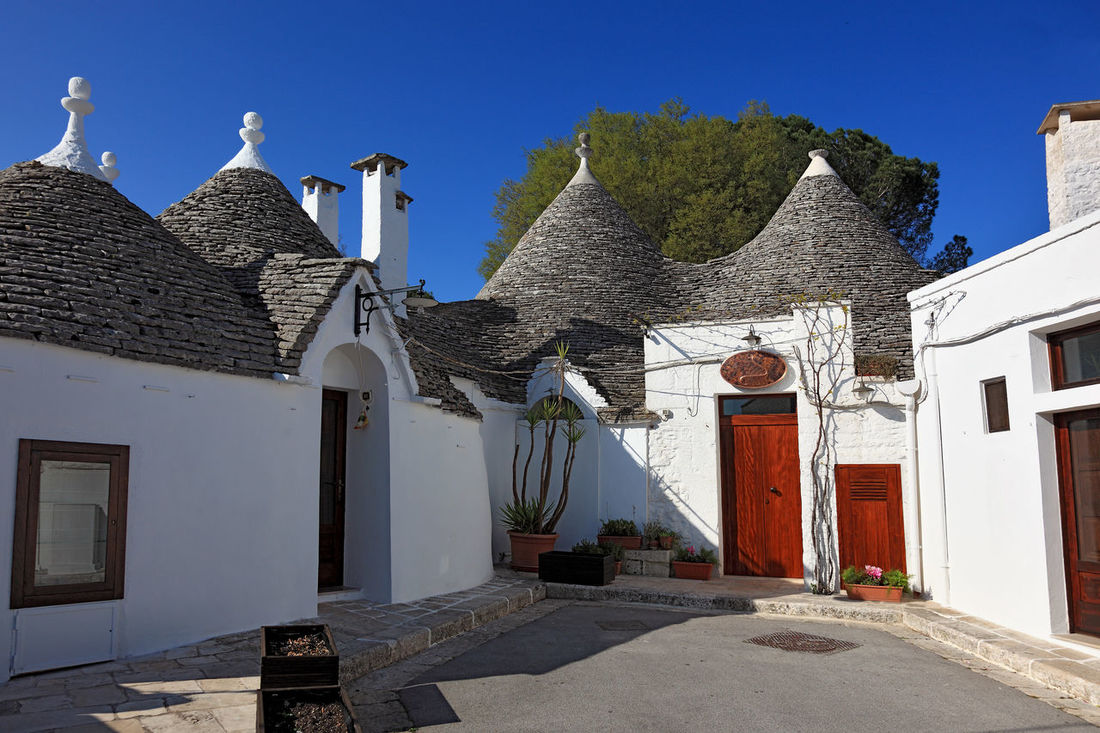 Alberobello, Trulli, Apulia, Italy Alberobello Architecture Building Exterior Built Structure Day House Italy No People Outdoors Puglia Residential Building The Way Forward Travel Destinations Traveling Travelphotography Trulli Houses Trullo Trullo Di Albero Bello