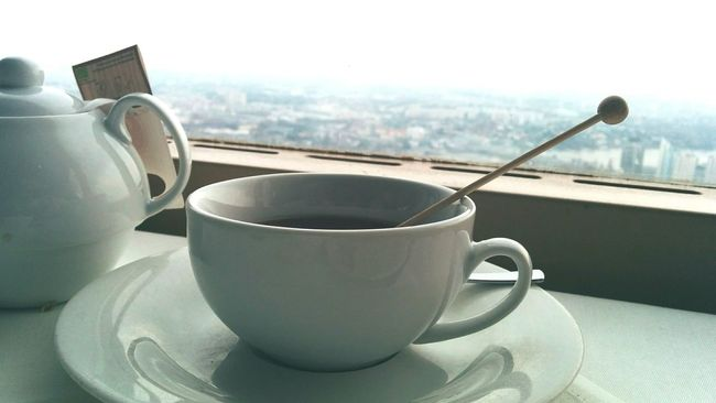 Nexus5 On A Plate Mugshot View Focus On Foreground Tea Time Diagonalshot Porcelain  Cuppatea Brunch Liquid Lunch Tea Softness Mug Teatime The Calmness Within Scenic View Scenic View In The Background